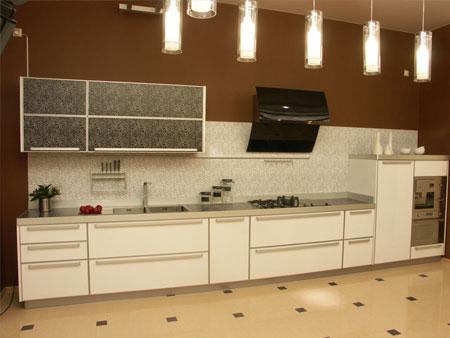 Столешница во всю длину кухни