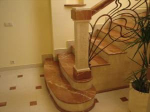 Отделка лестниц искусственным камнем